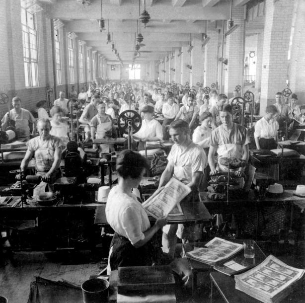 making-money-at-the-bureau-of-printing-and-engraving--washington-dc--c-1916-international-images