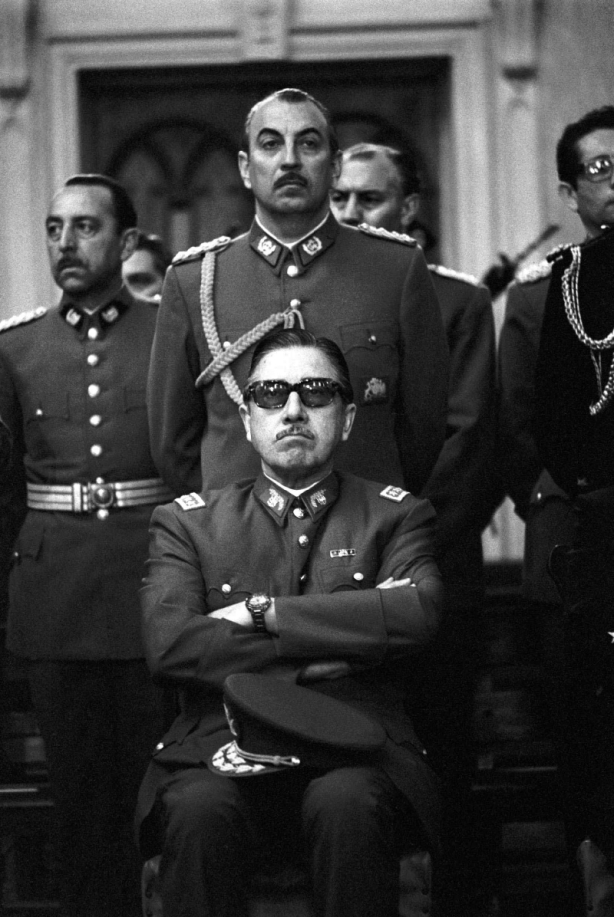 pinochet_junta_1971