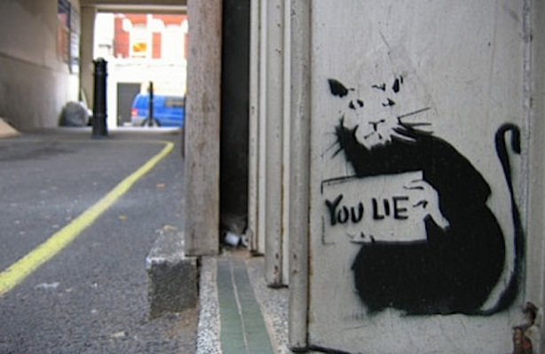 banksy_rat_you_lie_doorway